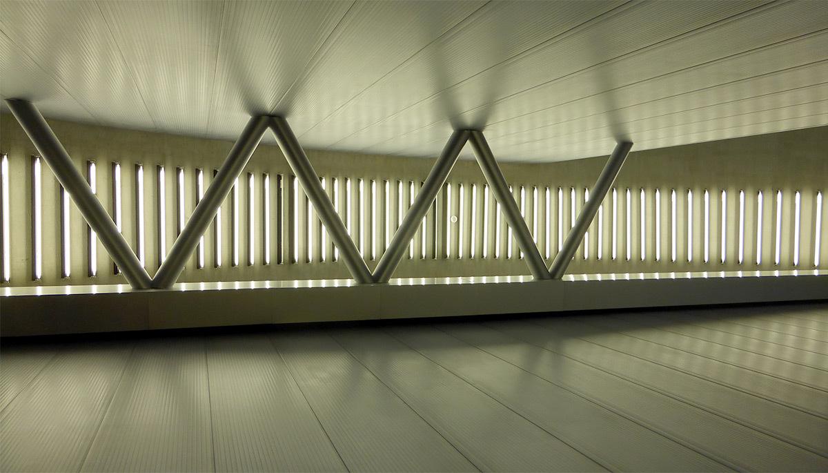 Fondazione Prada, Milan, Italie - Architectes : OMA - Conception lumière : Les éclaireurs - Photo Vincent Laganier