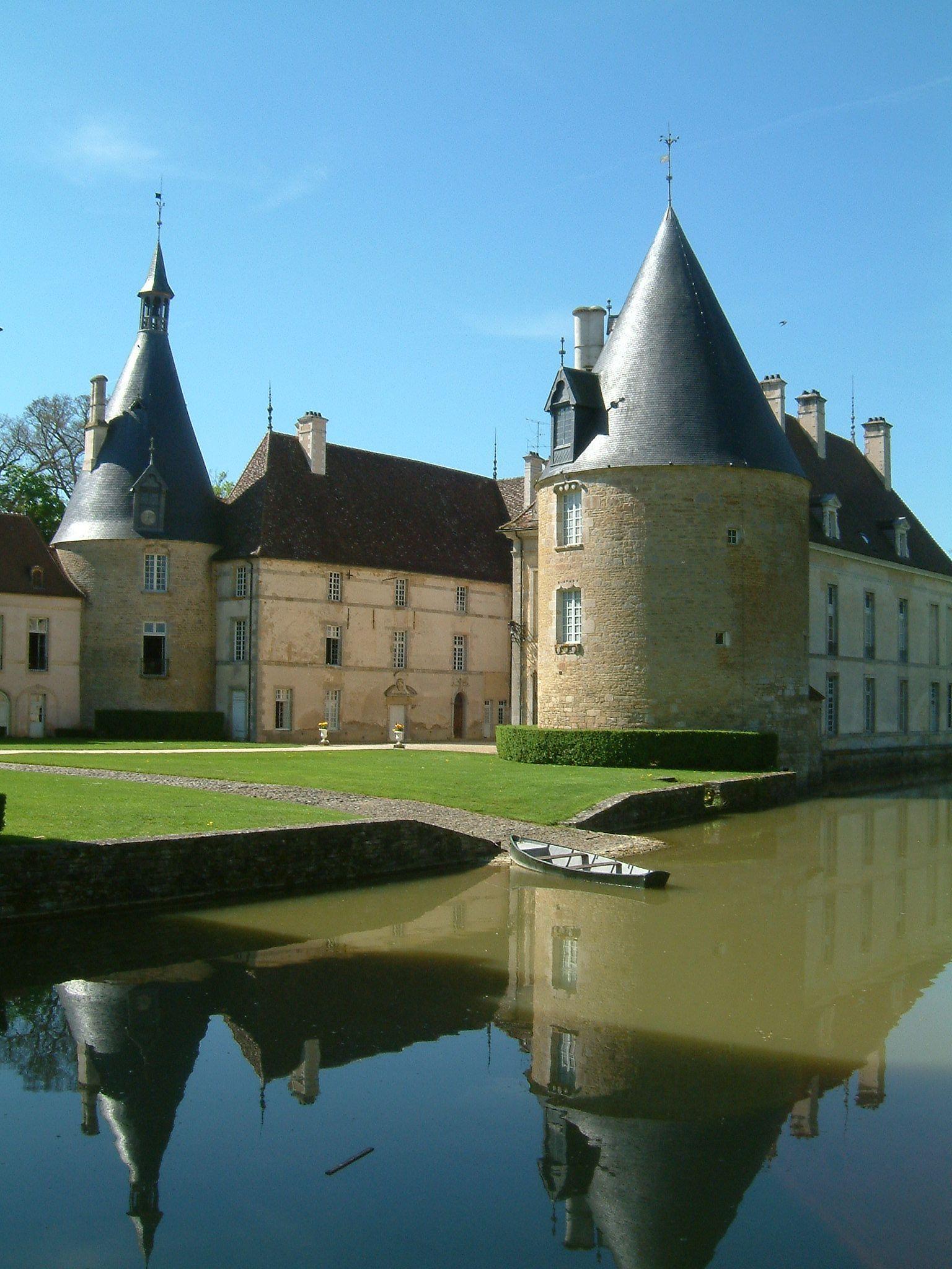 Château de Commarin, Bourgogne - Photo : Christophe Finot - Wikipédia
