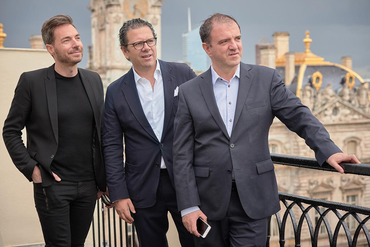 Renaud Lievre, Massimiliano Guzzini, Juan Echeverri Velasquez - inauguration showroom Lyon, mai 2016 © iGuzzini illuminazione France