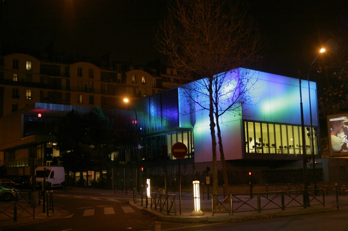 Centre d'animation point du Jour, Paris, France - Conception lumière : Concepto - Bureau d'études : EVESA - Photo : Concepto