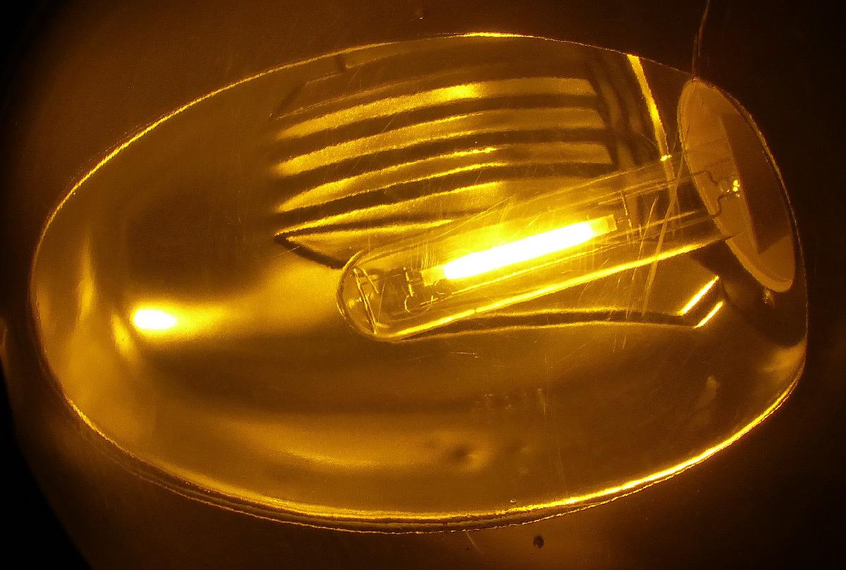 Éclairage public avec une lampe au sodium haute pression