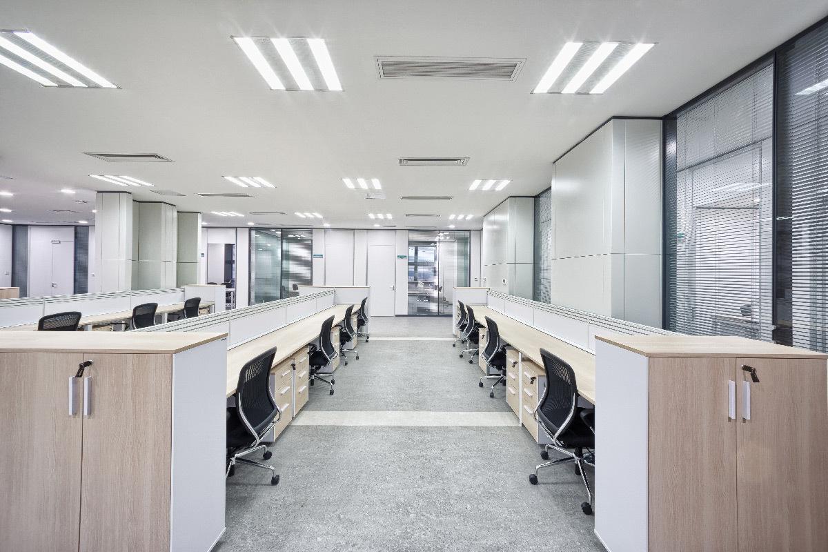 Eclairage de bureaux contemporain en bois