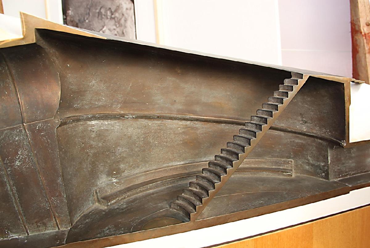 Roden Crater, East Portal, Arizona, USA - Maquette en coupe, bronze, plâtre