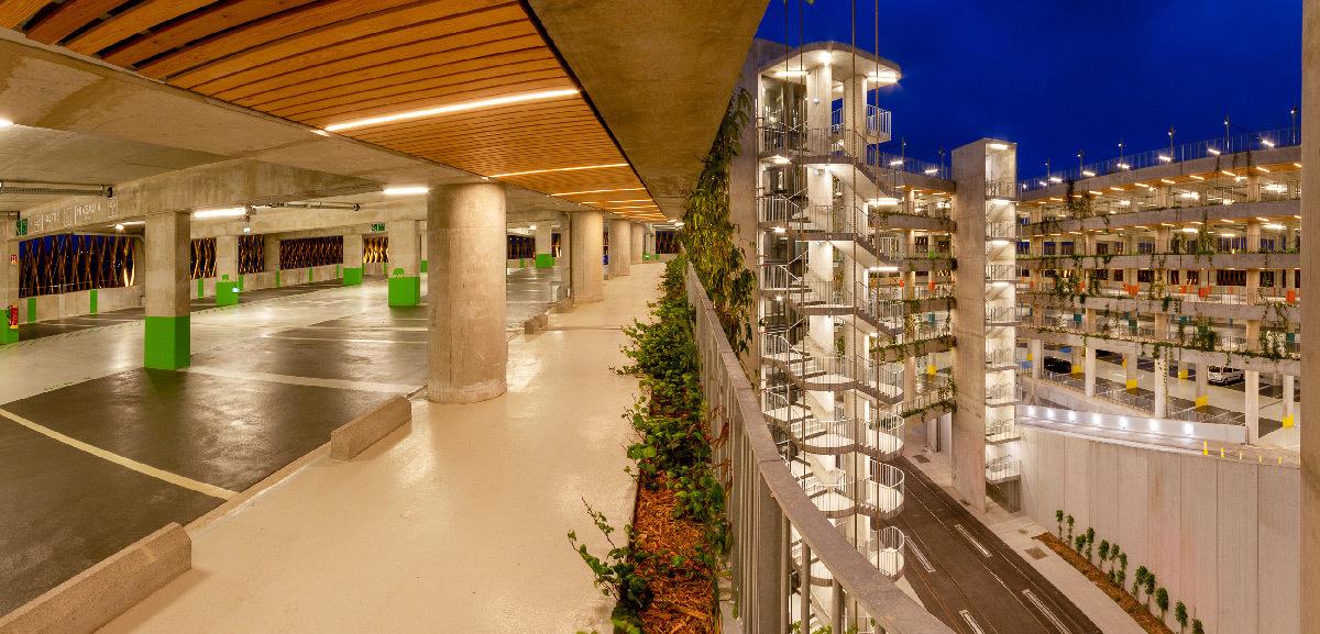 Parcazur Charles Ehrmann, parc-relais, Nice, France - Architectes : BLP & Associes - Concepteur lumière : 8'18'' © Anthony Perrot