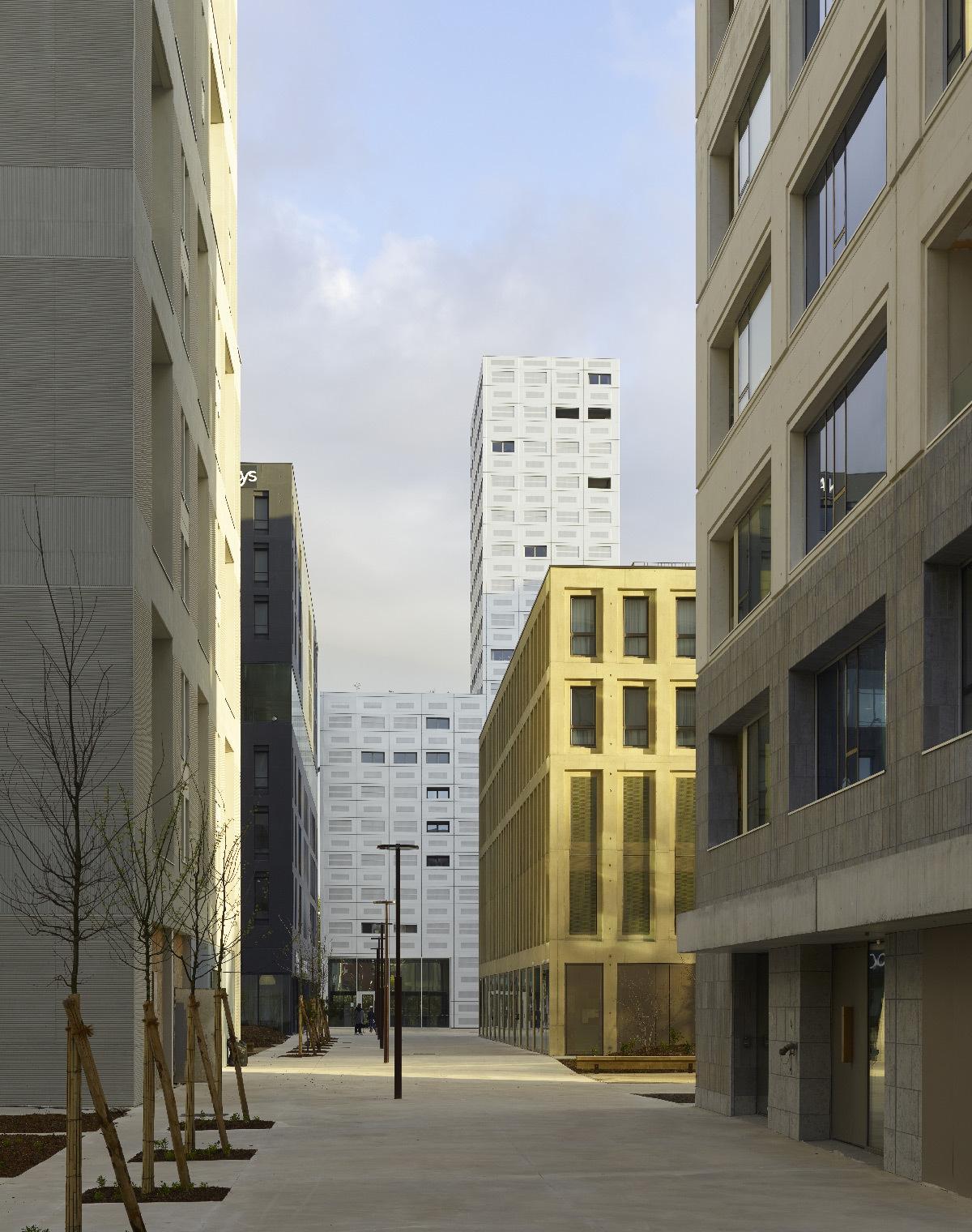 Polaris, Île de Nantes, France - nouveau quartier urbain - espaces publics - LAN Architecture - Kaufman & Broad © Fabrice Fouillet