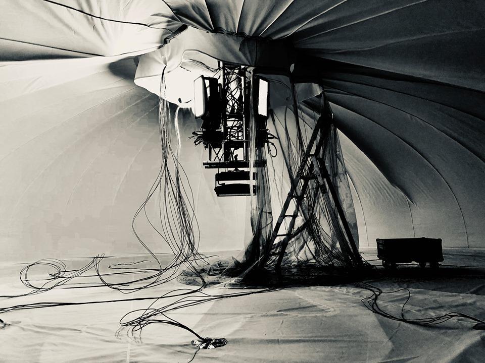 Méduses, intérieur, en montage, noir et blanc, La mer XXL, Nantes © Philippe Jouillat