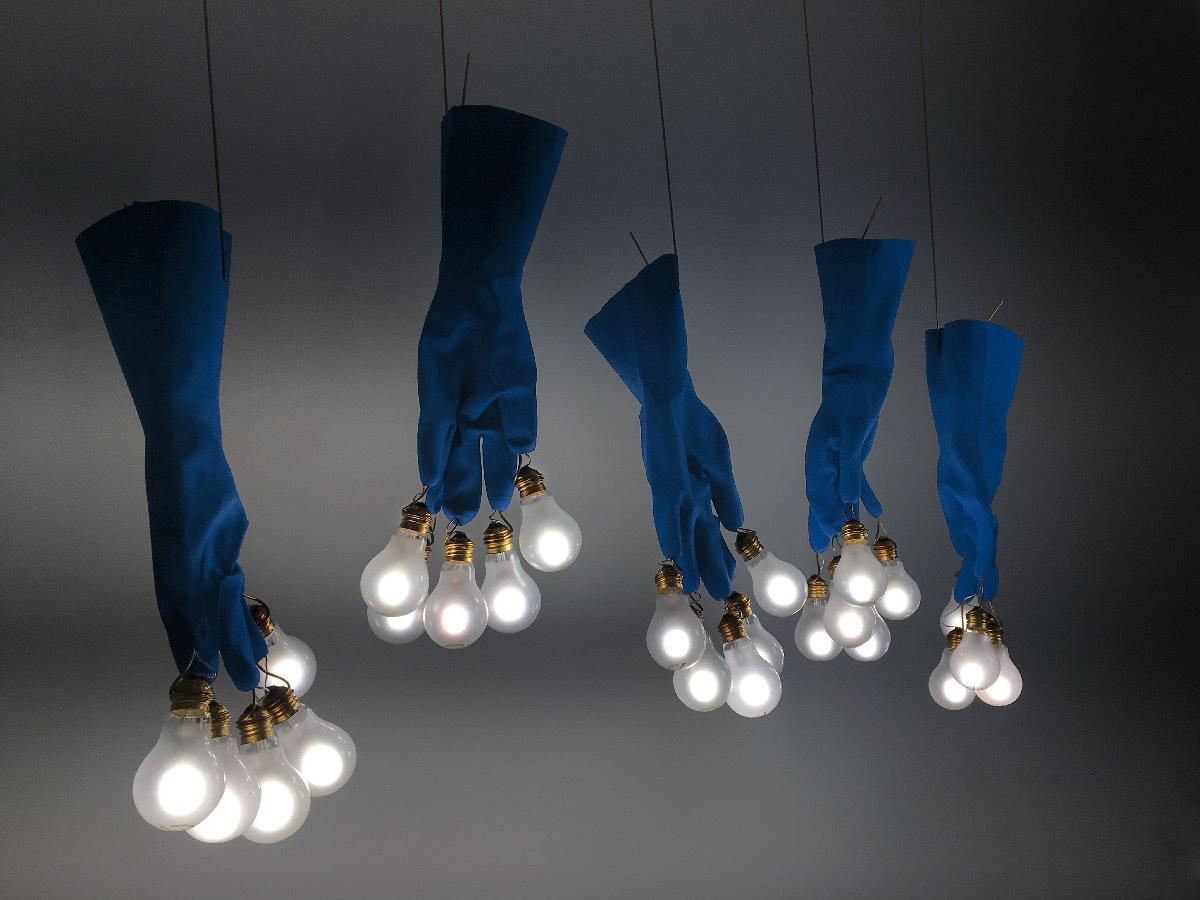 Luzy from the Sky, 2018 - Luminaire suspendu - Designer : Ingo Maurer - Luminaire suspendu © Ingo Maurer GmbH, Munich