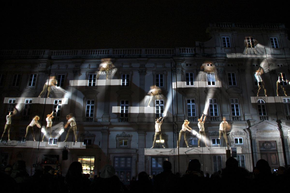 Highlights, place des Terreaux, Lyon - Scénographes Hélène Richard et Jean-Michel Quesne - Fête des lumières 2012 © Vincent Laganier