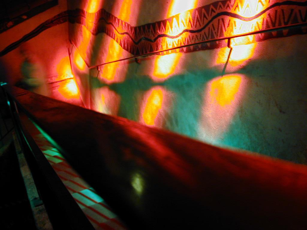 Tressage des lumières, pentes de la Croix-Rousse, Lyon, France - Festival Lyon Lumières 1999 - Parcours scénographique éphémère : Keichii Tahara et Stef Grivelet © Vincent Laganier