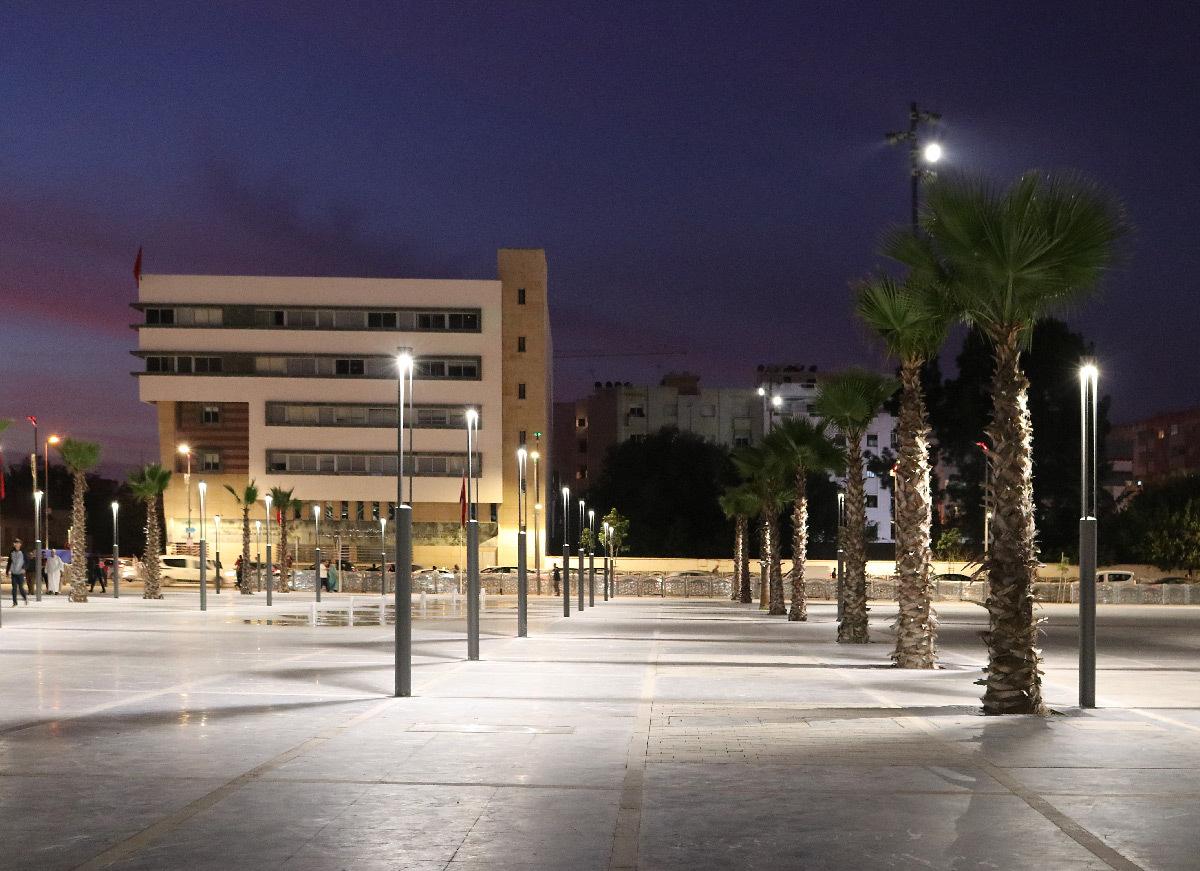 Lumière sur la place, gare de Kénitra, Maroc - Architectes : OKA, SDA