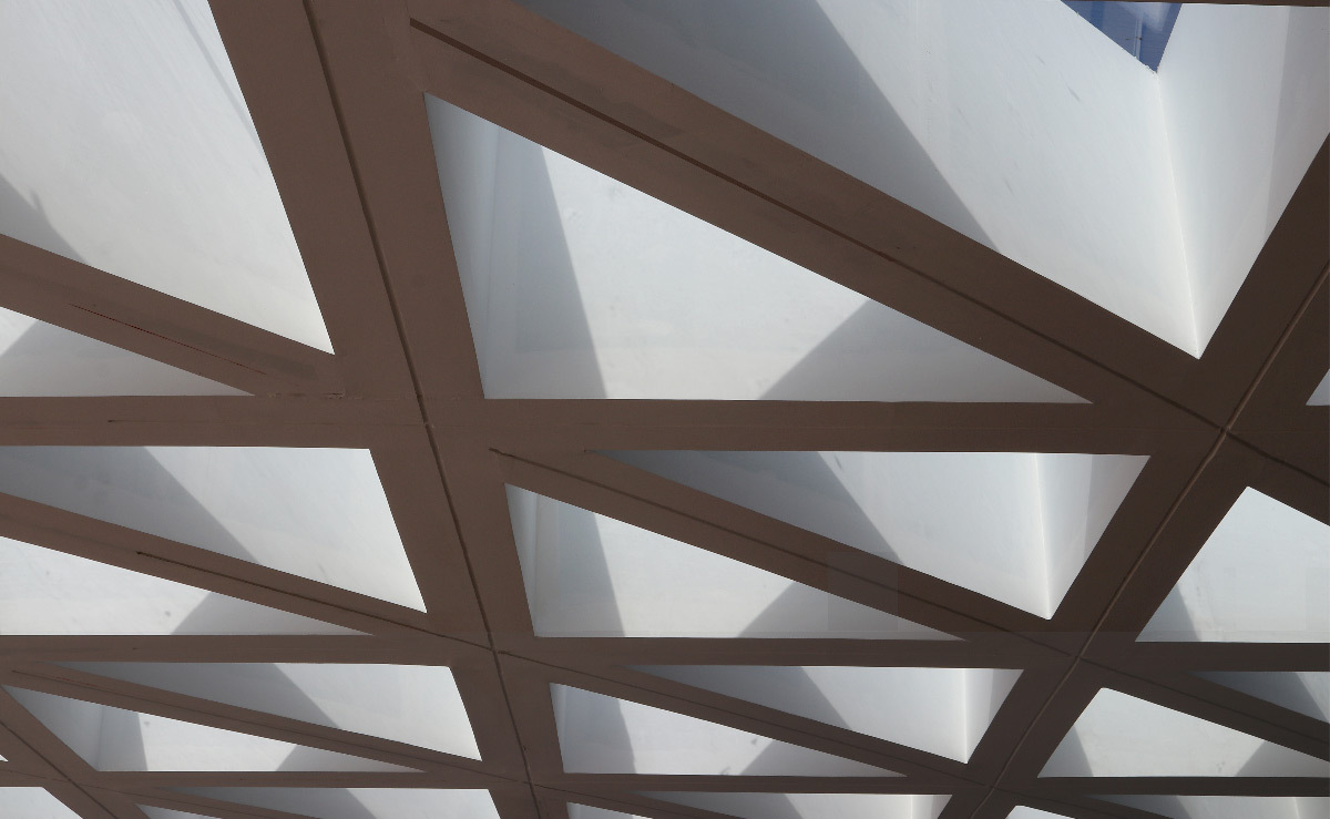 Lumière du soleil, toiture, gare de Kénitra, Maroc - Architectes : OKA, SDA