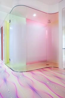 nhow_standardroom_shower_med