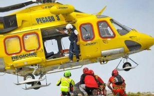 Escursionista di Rapallo muore sulle Alpi Apuane cadendo in un dirupo