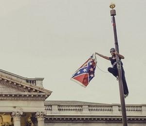 Bandiera confederata rimossa a Columbia