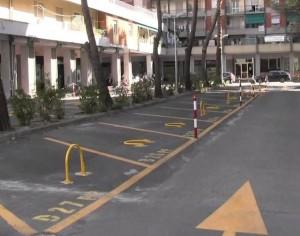 Nella foto, alcuni parcheggi di Via Gherzi