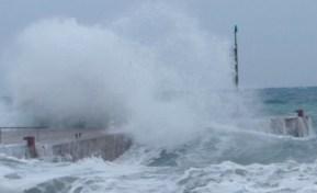 Liguria, rischio mareggiate tra venerdì e sabato