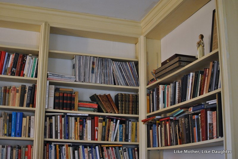 {pretty, happy, funny, real} bookshelves edition-011