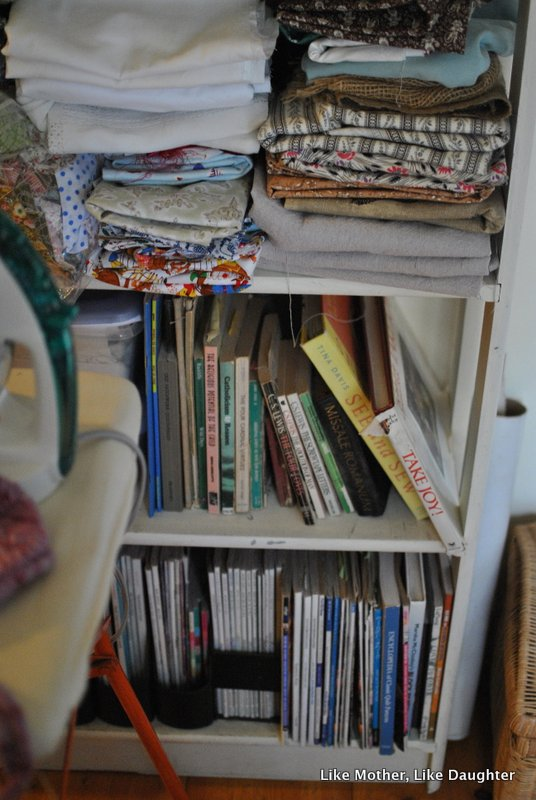 {pretty, happy, funny, real} bookshelves edition-012