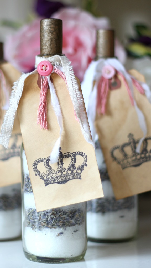 DIY lavender bath salts make a beautiful gift for Valentine's Day.