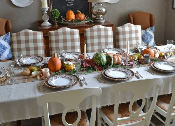 Thanksgiving tablescape with natural elements / Lilacs and Longhorns