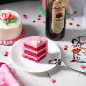 Raspberry 'N Cream Mini Cakes
