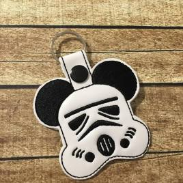 ITH Trooper Mouse Snap Tab 4×4 and 5×7 included- Embroidery Design – DIGITAL Embroidery DESIGN