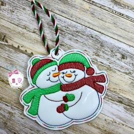 Hugging Snowmen Ornament – Digital Embroidery Design