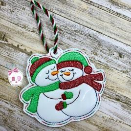 Hugging Snowmen Ornament – Digital Embroidery Design