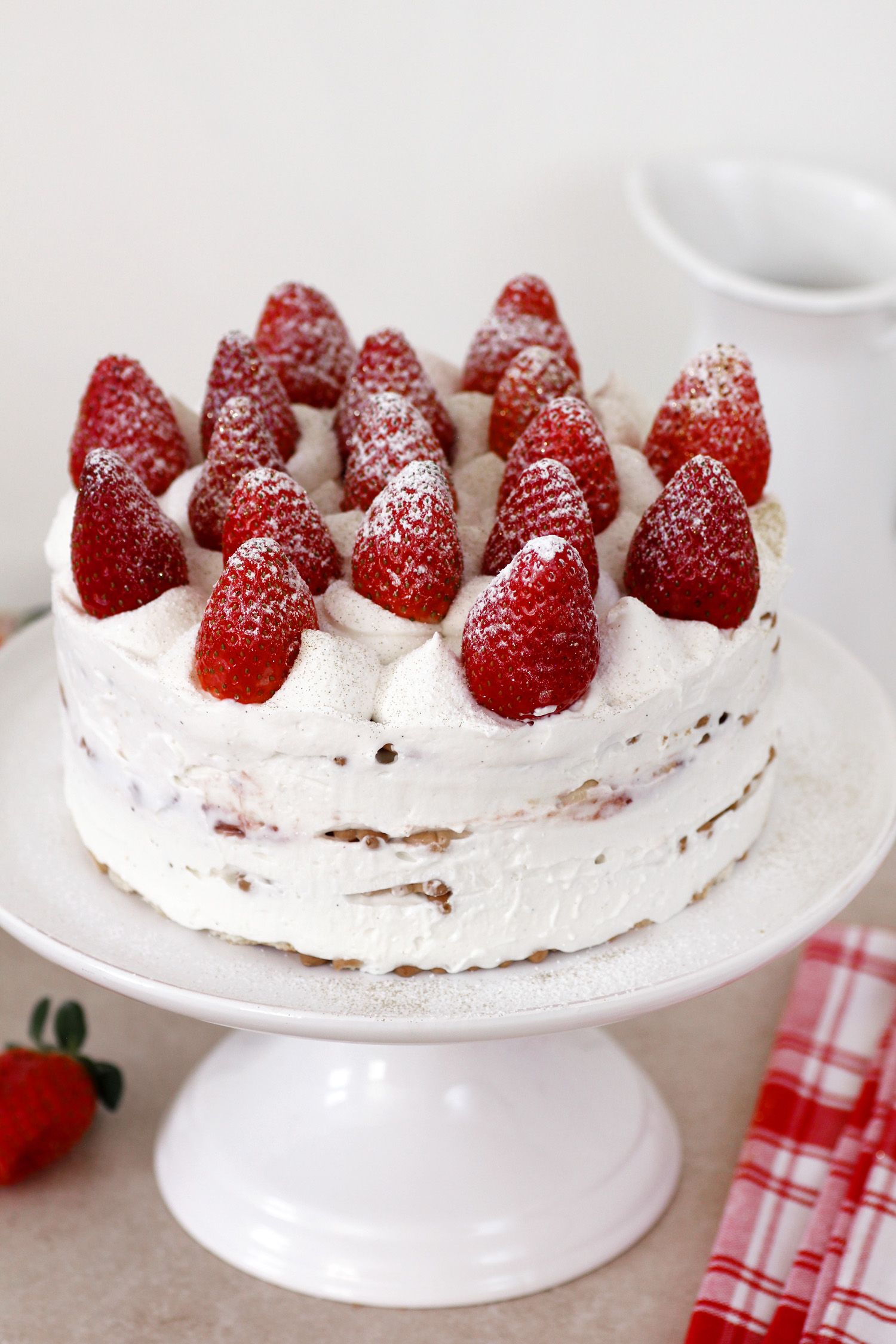 Strawberry And Cream Icebox Cake Lil Cookie
