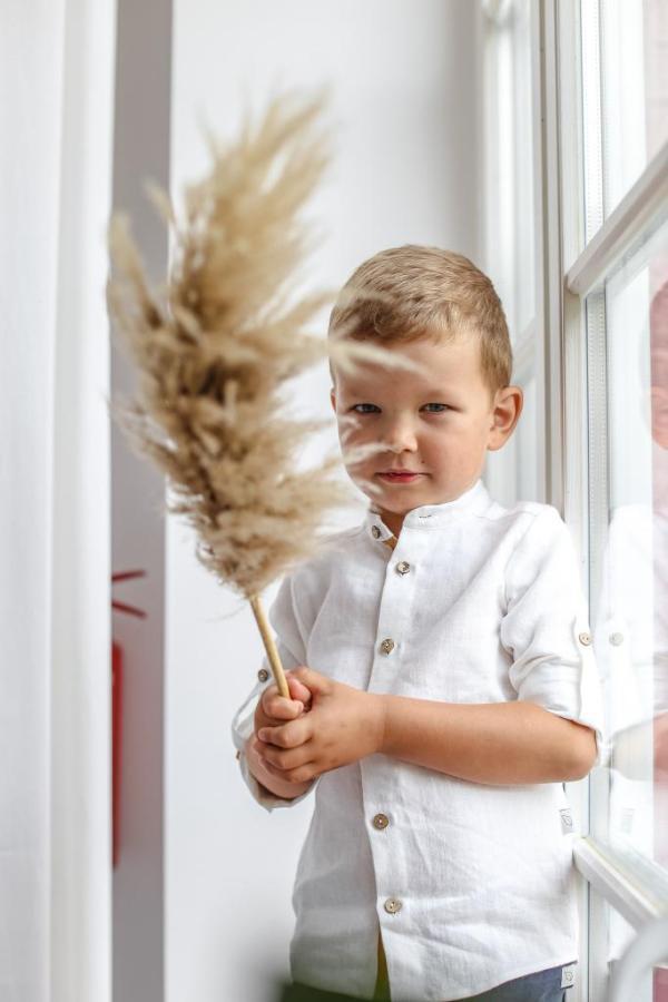 biala-koszula-dla-przedszkolaka-do-szkoly-na-stojce-h_m-handmade-premium-cotton-lilen