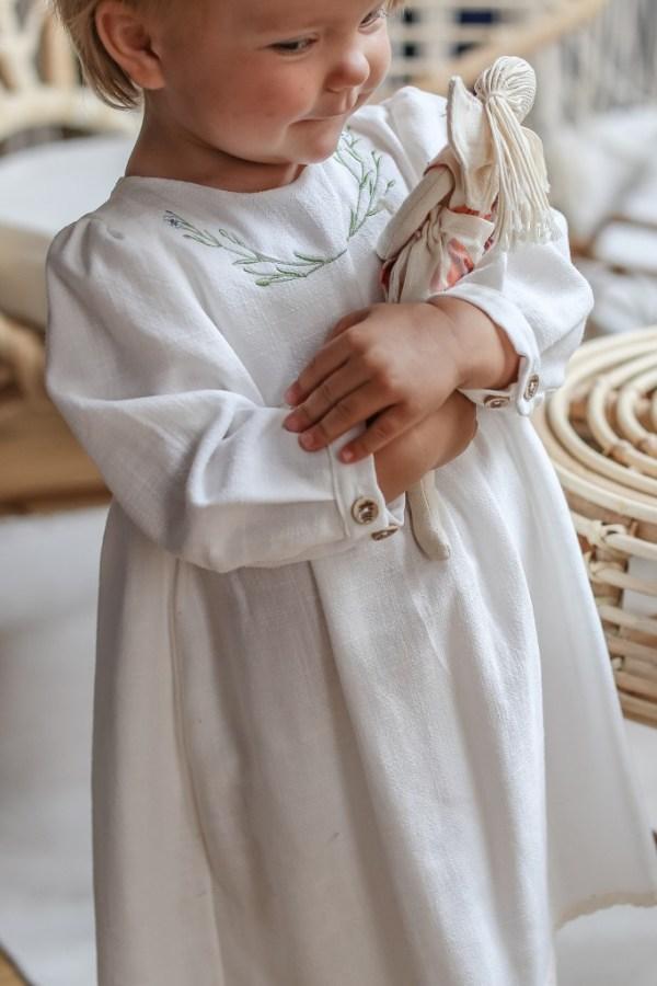 unikatowa-oryginalna-vintage-sukienka-na-chrzest-dla-dziewczynki-szyta-recznie-aniolek-lilen-naturalny-chrzest
