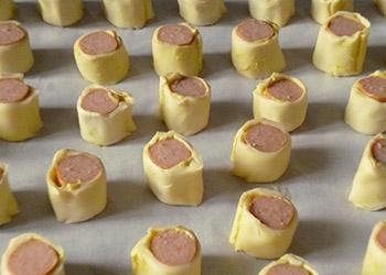 Feuilletés Knaki moutarde avant cuisson