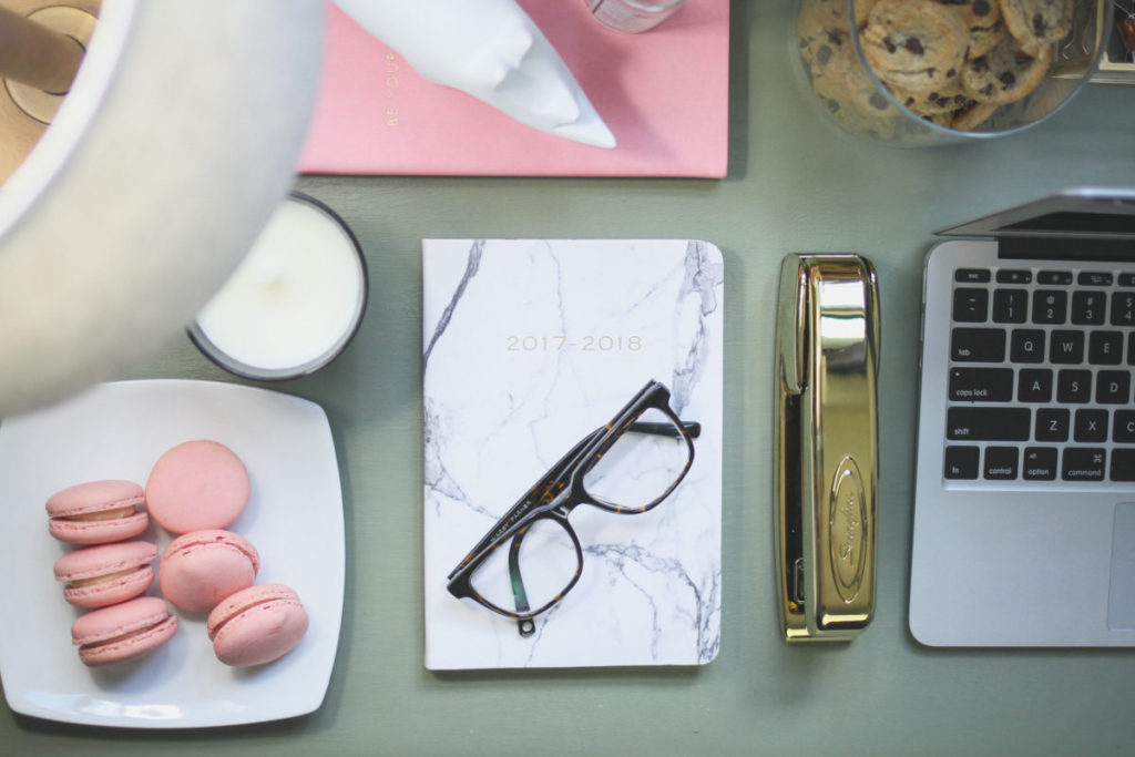LiliesandLoafers - Marble Notebook