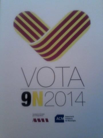 20141109 9N votar La Pobla de Lillet 002