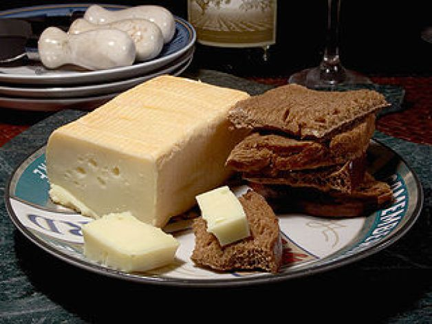 320px-cheese_limburger_edit1