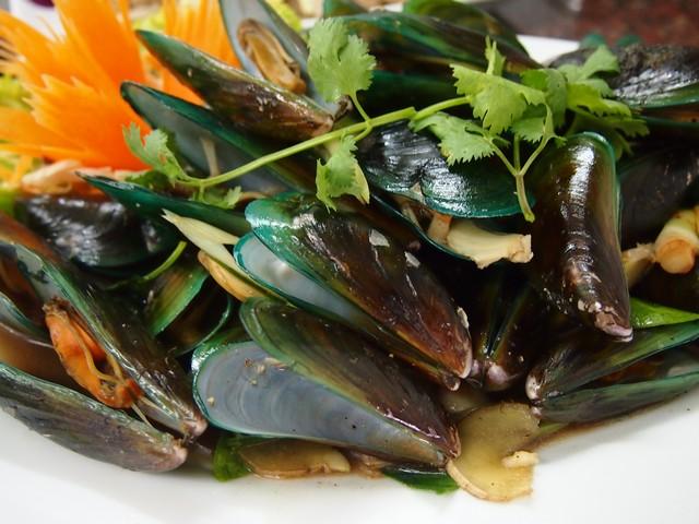 saefood - mussels Lillo Island Kamala Beach