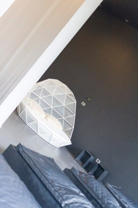 lone-hotel_36