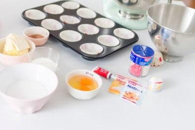 red-velvet-cupcakes-01