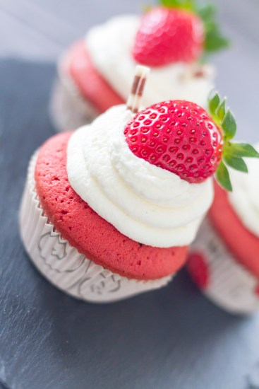 red-velvet-cupcakes-13