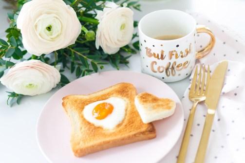 herz-fruehstuecksei-toast-02