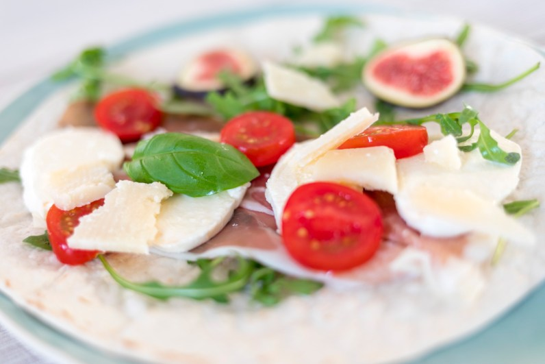 Piadina mit Prosciutto und Mozzarella