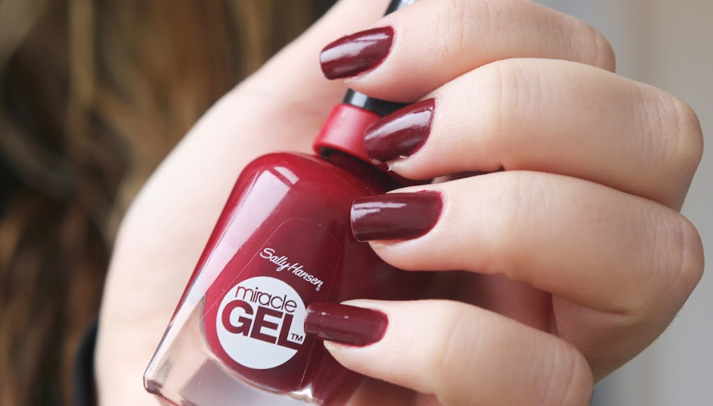 I Will Still Use It Anyway Because The Colour Is Lovely And Lasts Just As Long Regular Nailpolish Look At How Glossy Finish By