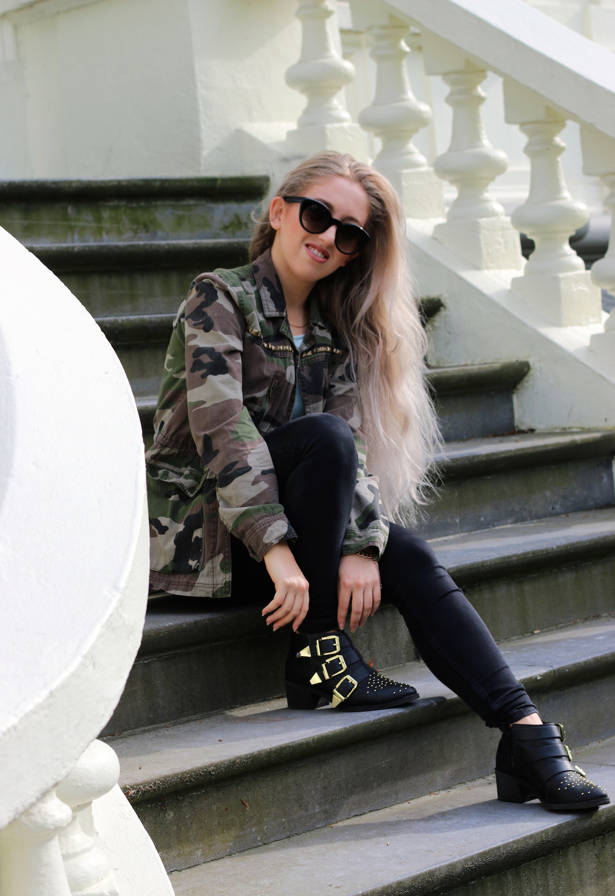 OUTFIT OF THE DAY: #210 - ROCKING MY GRANNY HAIRZ + GIVEAWAY