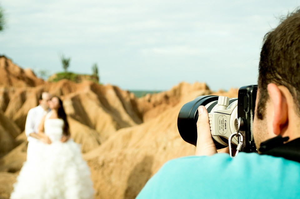 Essential Tips for Hiring your Wedding Photographer