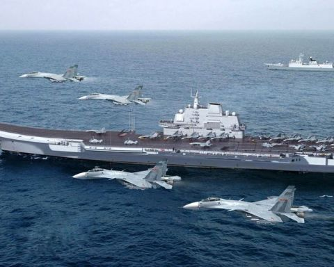 Image China aircraft carrier Liaoning