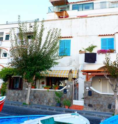 Moving to Ischia - Houses