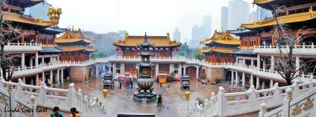 Linda Goes East Shanghai Jing'An Temple