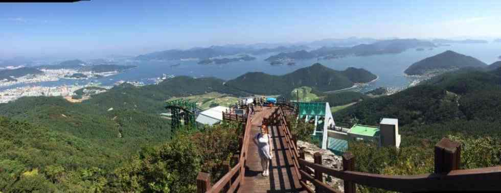 Tongyeong Linda Goes East
