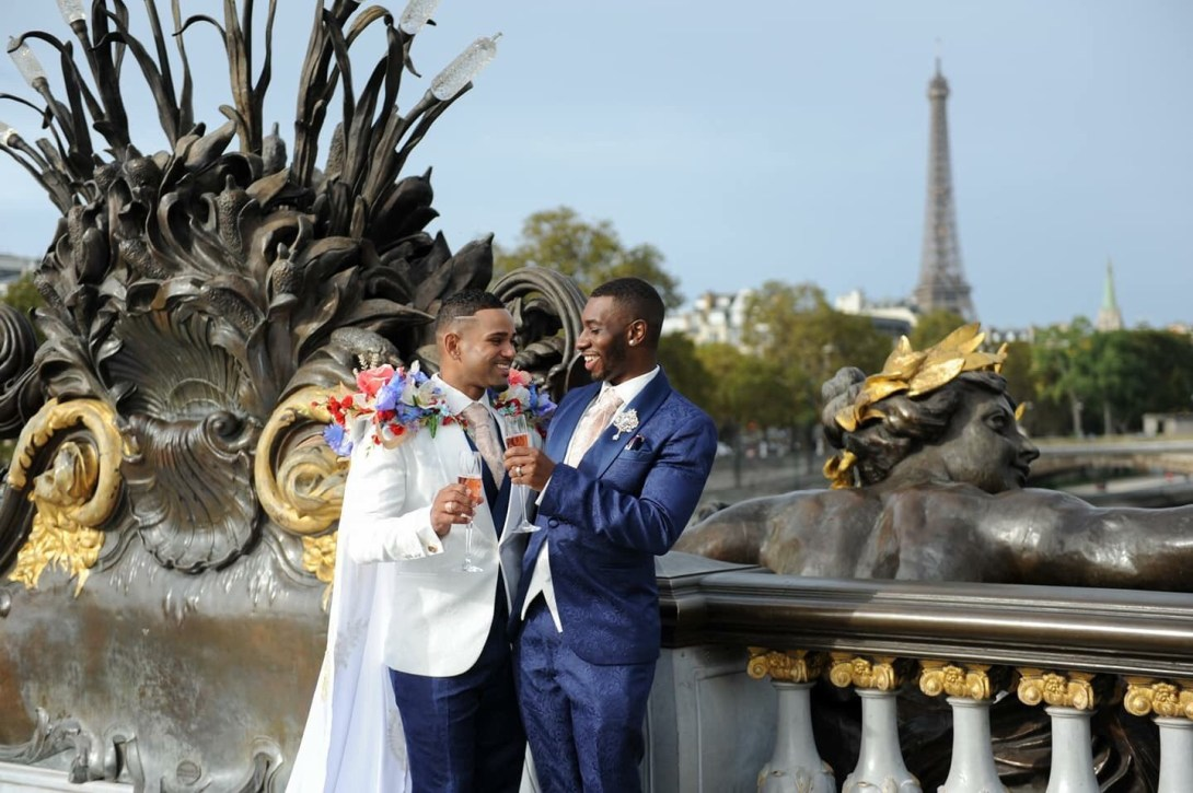 Check out interesting pictures from a Paris gay wedding