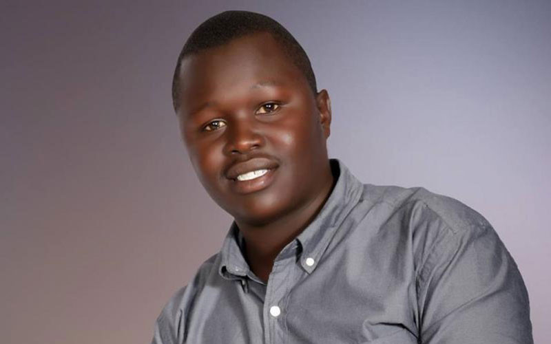 Broke Kenyan man puts up one of his testicles for sale. Says hes tired of living in poverty
